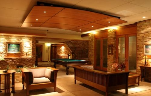 Luxury-ceiling-with-modern-wooden-decor-with-built-in-lights