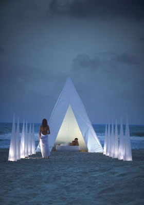 Thumbnail image of Seductive set of dazzling delights: Piramide, Esteras, and Cubos