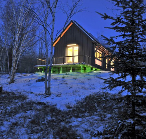 Thumbnail image of Zero Energy Home Glows Green When it's Good for the Planet