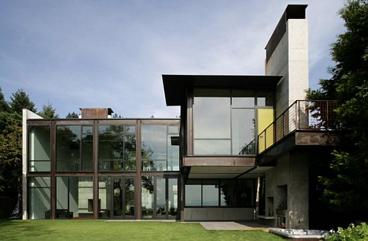 Thumbnail image of The glass-steel-concrete masterpiece on Mercer Island