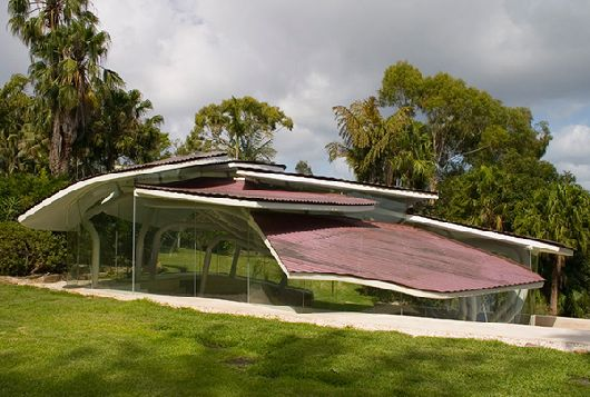Thumbnail image of Mimicking Nature: Australian Modern Leaf House Stuns With its Design