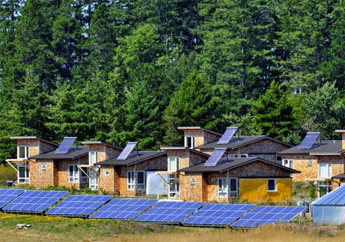 Thumbnail image of Affordable Solar Housing Builds Common Ground For Workers
