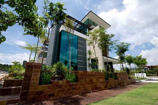 Thumbnail image of Lot 18 House by Arkitek Axis: Modern Living in Malaysia