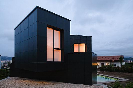 q house 6