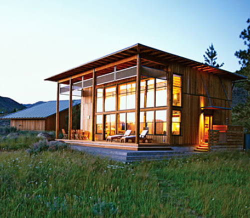 Living Large in a Sensible Small Cabin Home Design Find