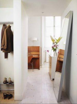 Design Dilemma: Confronting a Narrow Hallway | Home Design Find