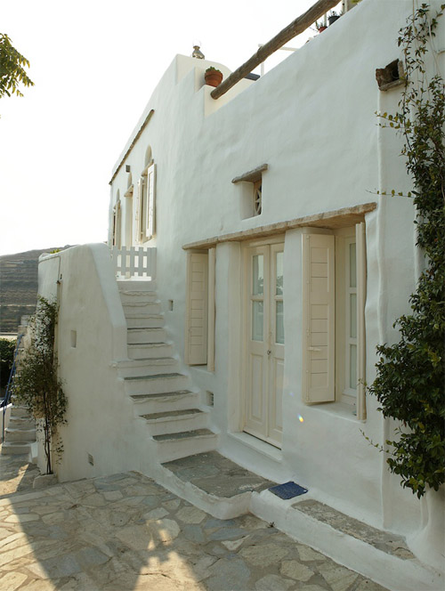Tinos house 1 green. Traditional Greek building style ...