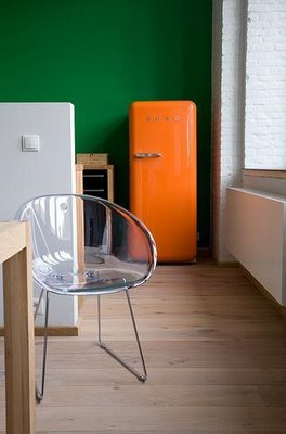 orange smeg against deep green wall how to tips advice