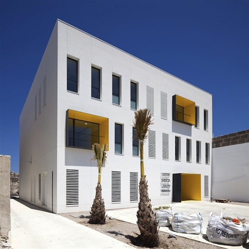 centro de salud 3 architecture
