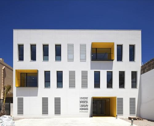 centro de salud 6 architecture