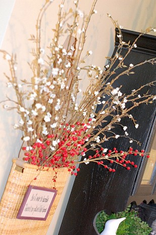 holiday decorations3 309x465 how to tips advice