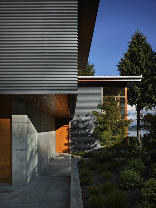 Steel, Concrete, and Wood Warms a Hip Home in Seattle