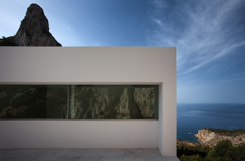 house on the cliff10 architecture