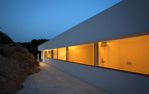 house on the cliff13 architecture