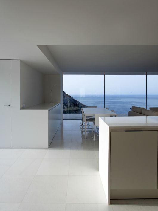 house on the cliff14 architecture