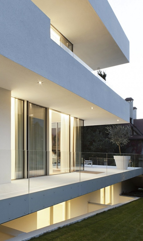 house m4 architecture