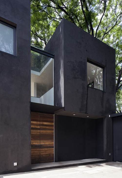 Mysterious But Chic: A Little Black Townhouse in Mexico City