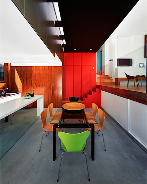 Dazzling Colors: A Hip City Pad in Sydney
