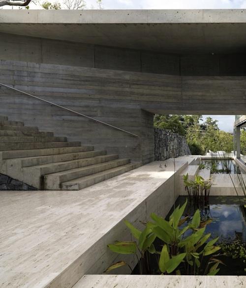 717 architecture