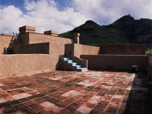 147 architecture