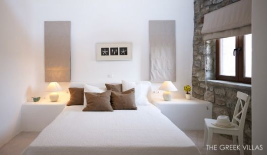 white bedroom stone wall 600x350 architecture