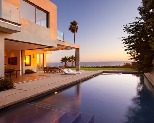 128 Hollywood Glamour of a Malibu Mansion