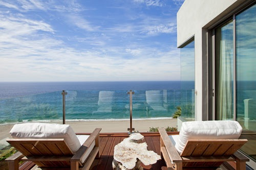 58 Hollywood Glamour of a Malibu Mansion