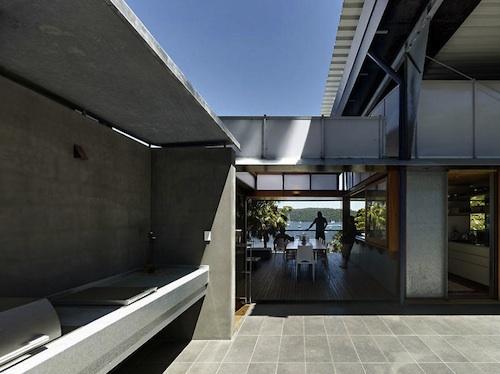 713 architecture