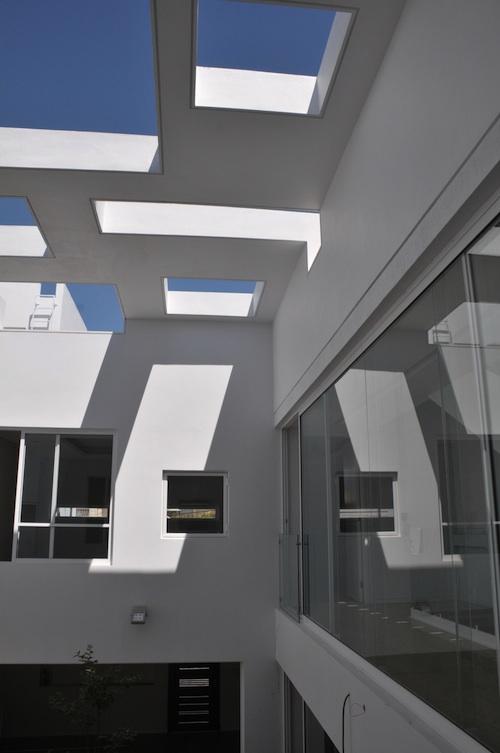 818 architecture