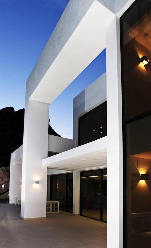 105 architecture