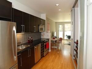 modern kitchen 4 300x225 uncategorized