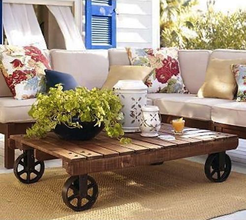 p 10 11 Great Uses for Recycled Shipping Pallets